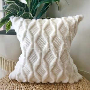 Ivory faux fur pillow cover